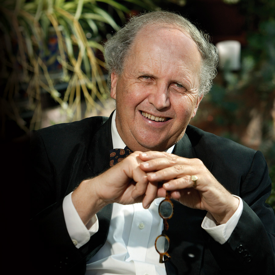 http://byronwritersfestival.com/wp-content/uploads/2018/01/Alexander-McCall-Smith_web_credit-Graham-Clarke.jpg
